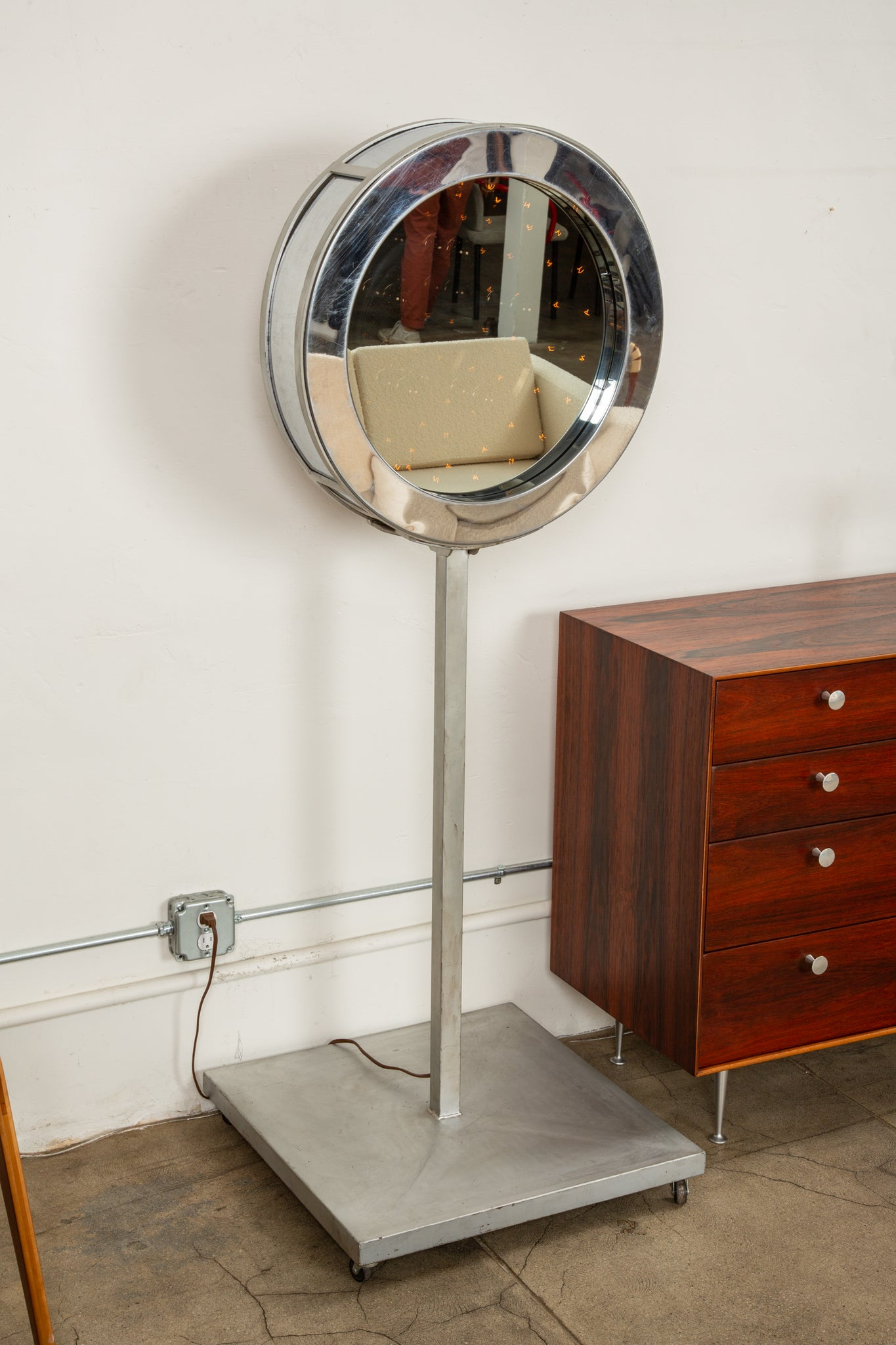 Curtis Jeré Infinity Mirror with Floor Mount