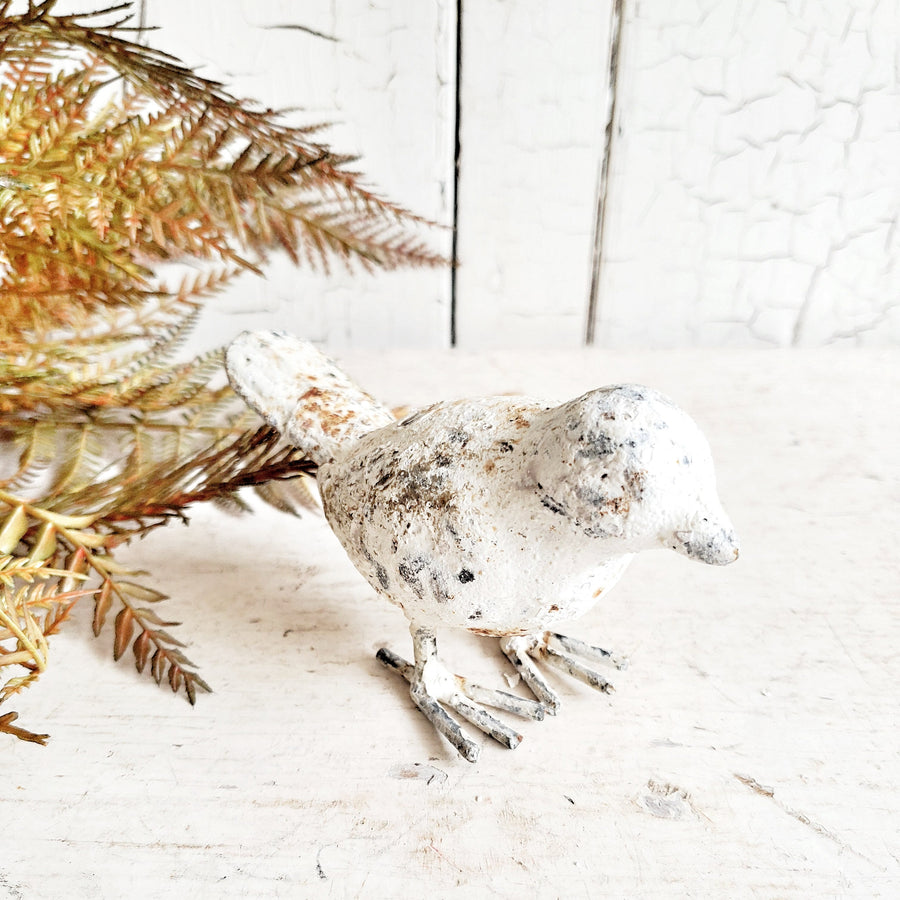 Rustic Metal Chippy Bird