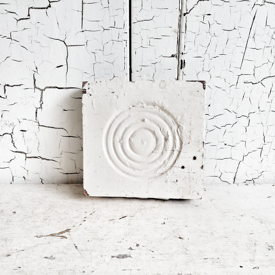 Chippy White Wood Medallion
