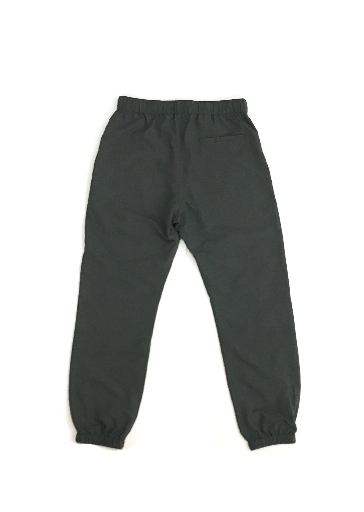 GREI new york (グレイ) / TRACK PANTS 4-PLY DWR FINISH CHARCOAL。バック画像。