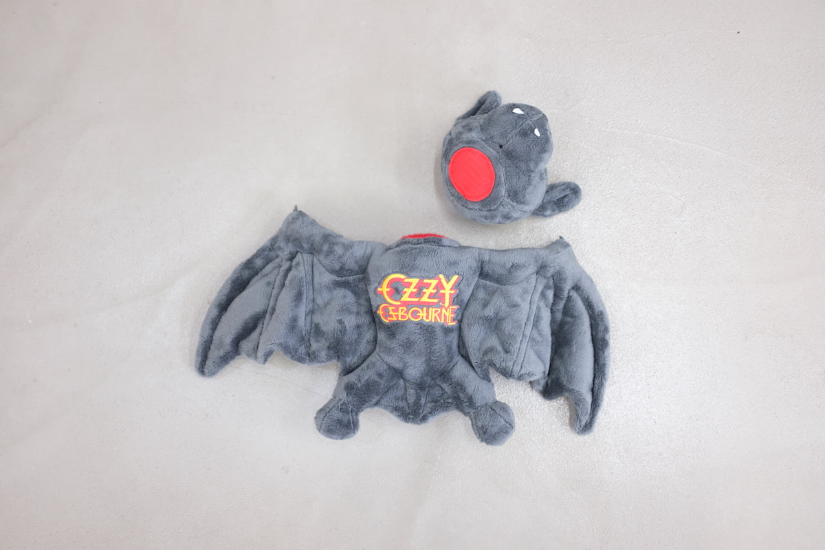 "<span style=""color: #ff2a00;"">Last One</span> OZZY OZBOURNE / OZZY PLUSH BAT"