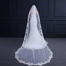 Load image into Gallery viewer, Wedding Veil Lace Edge Wedding Accessories