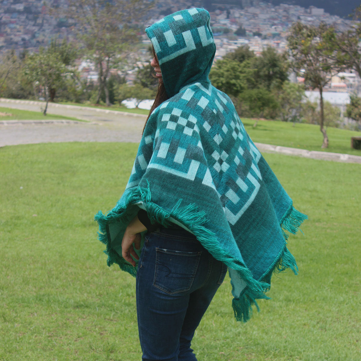 gifts for mother, alpaca wool poncho, wholesale alpaca poncho, alpaca fashion accessories