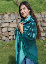 Load image into Gallery viewer, luxury alpaca fur poncho, fringe alpaca poncho, pullover alpaca poncho, hooded poncho