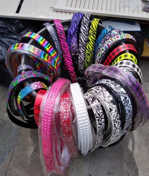 2,500 Belts Hot sellers online for some people ($30,000 in Retail Value)