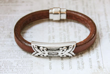 Load image into Gallery viewer, Mens Licorice Leather Bracelet in Brown