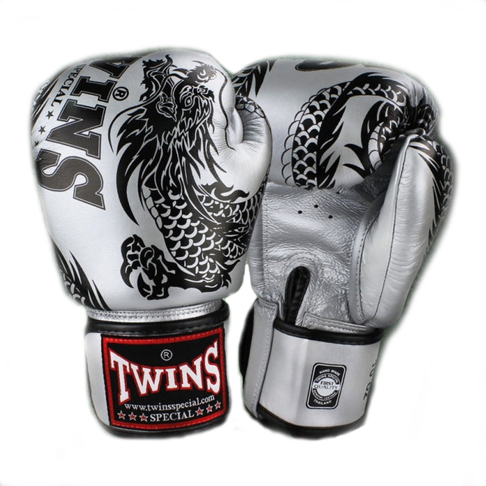 Twins Special FBGV-49 Flying Dragon Boxing Gloves Silver/Black