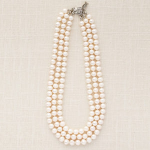 Jackie - Pearl Necklace