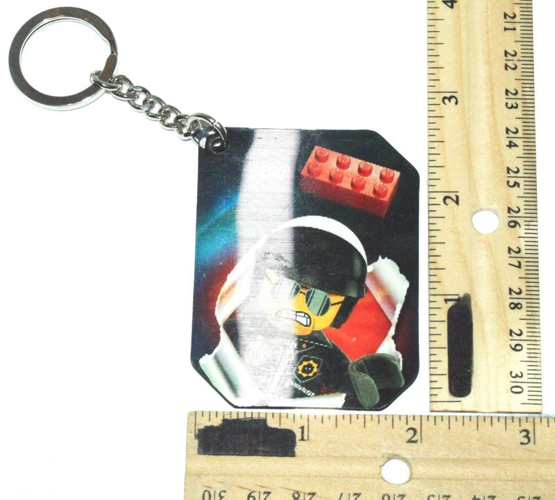 THE LEGO MOVIE LENTICULAR KEYCHAIN - POLICE ASTRONAUT FROM BLIND BAG USED 2014-EZ Monster Deals