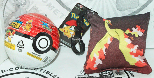 2 LOT NINTENDO POKEMON - MOLTRES KEYCHAIN KEY CLIP + POKEBALL TOY 2016 NEW - EZ Monster Deals