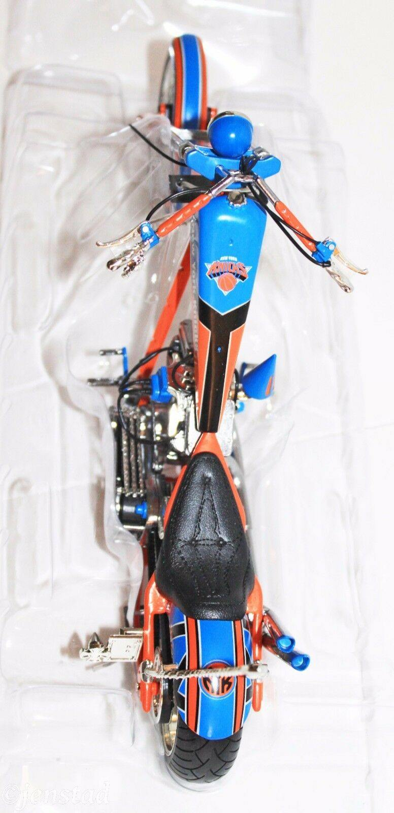 NEW YORK KNICKS BASKETBALL 1:10 DIECAST OCC CHOPPER MOTORCYCLE ERTL NBA NEW 2005