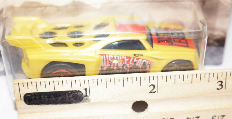 "JUSTICE LEAGUE BASSLINE - 1:64 HOT WHEELS DC COMICS TOY 2.5"" VEHICLE"