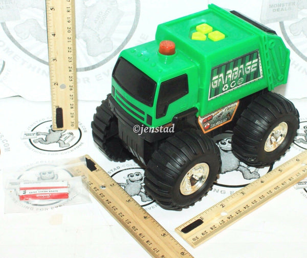 FAST LANE CITY RESPONSE GREEN GARBAGE TOY TRUCK VEHICLE SOUND LIGHT ROLLS USED - EZ Monster Deals