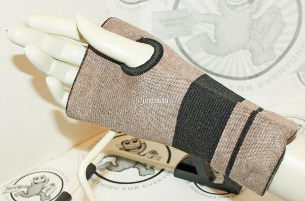 WRIST COMPRESSION ZIPPERED SUPPORT BAMBOO & MAGNET THERAPY ADULT ONE SIZE NEW - EZ Monster Deals