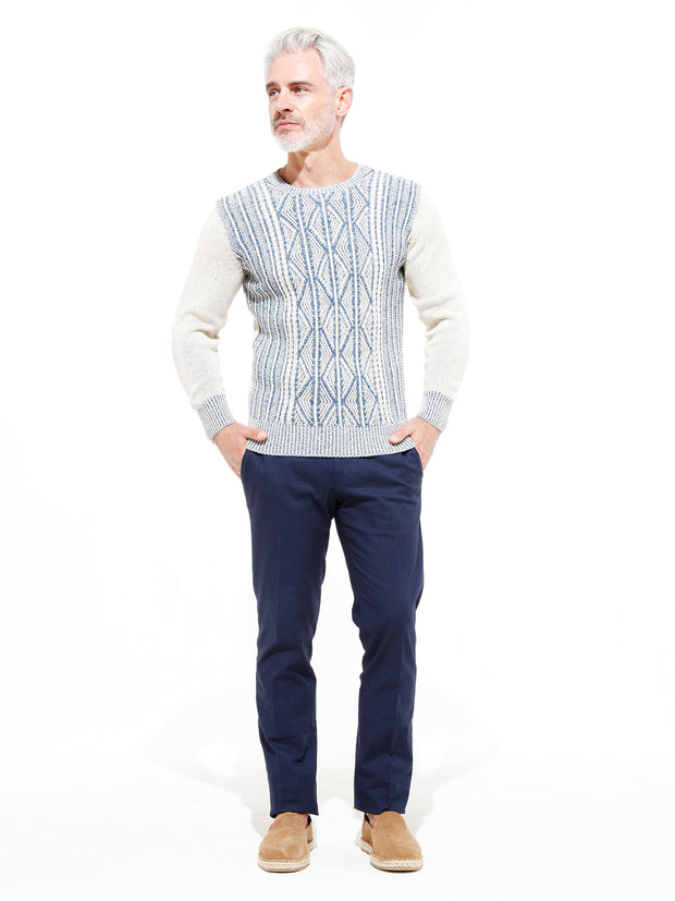 "pull col rond ""patented aran pattern"" blanc et bleu denim inis meáin"