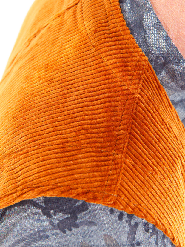 toffee corduroy with large ribs 20-pocket waistcoat
