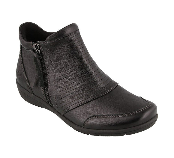Taos Women's Habit Black Zipper Boot
