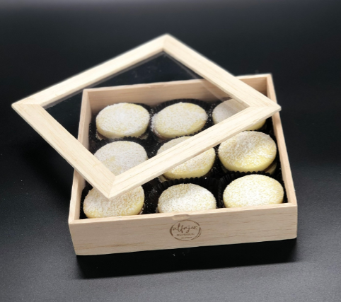 Alfajores Artesanales Balsa Wood box - 9 Units