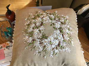 Square flower wreath pillow