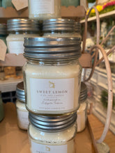 Load image into Gallery viewer, Antique Candle Company White 8oz