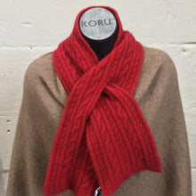 Load image into Gallery viewer, Cable Scarf - Rata