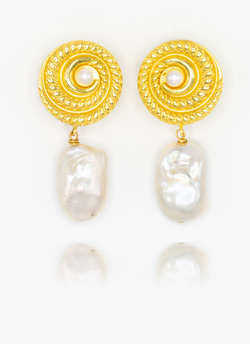 Baroque Pearl Earrings: Small Wonders