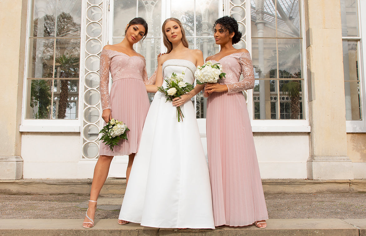 Bride with her Bridesmaids in Pink