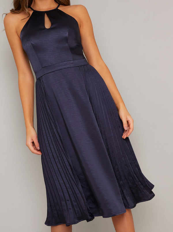 Halter Neck Cut Out Pleated Midi Dress in Blue