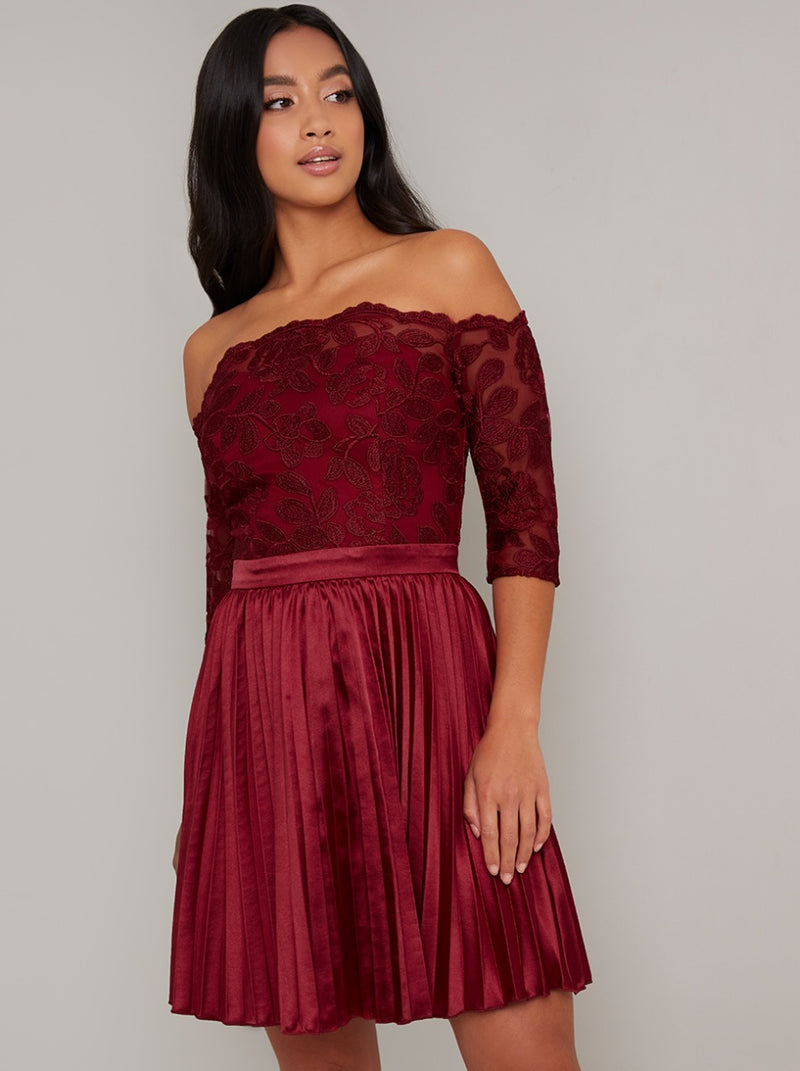Petite Lace Bodice Satin Pleated Mini Dress in Red