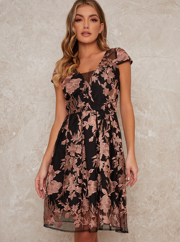 Lace V Neck Cap Sleeve Midi Dress in Black