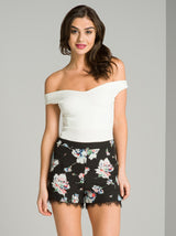 Floral Print Lace Trim Shorts in Black