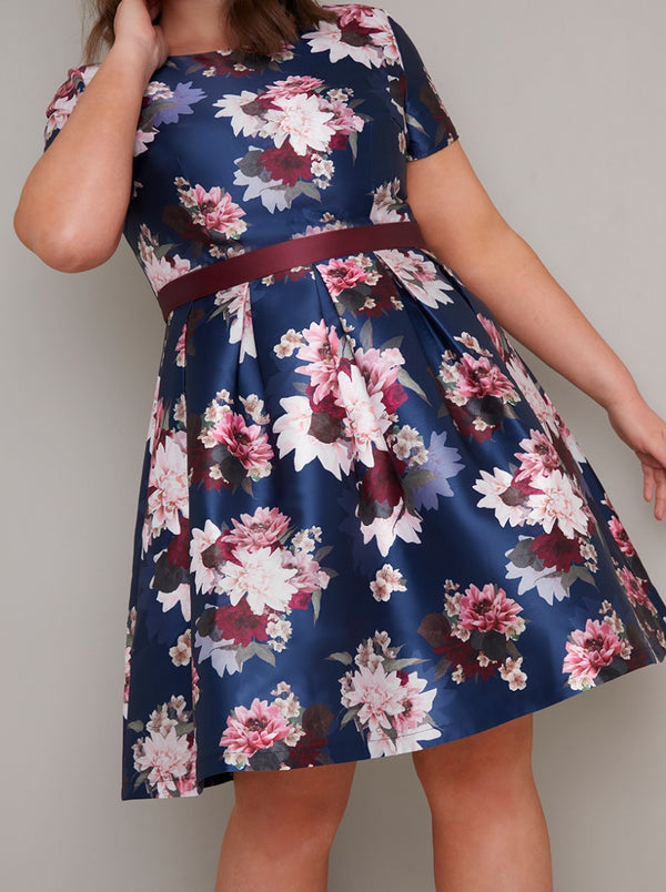 Plus Size Short Sleeved Floral Print Midi Dress in Blue