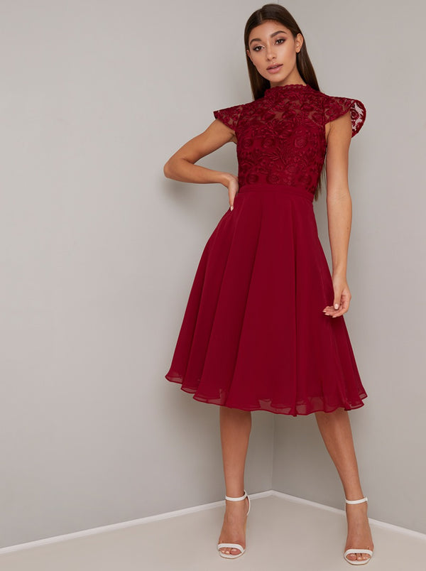 Lace Bodice Cap Sleeved Midi Dress in Red