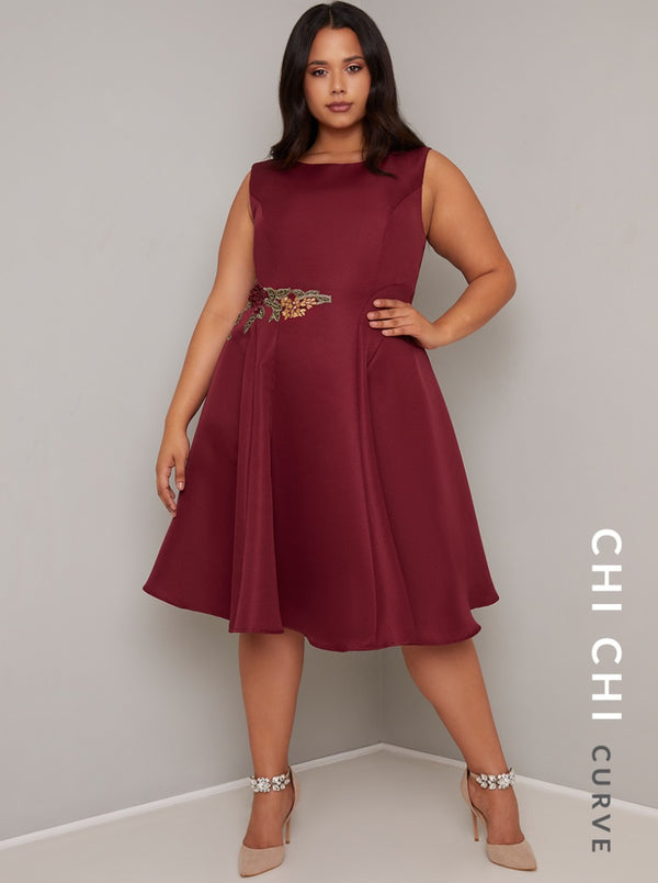 Plus Size Applique Midi Dress in Red