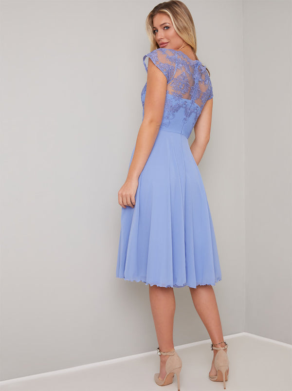 Cap Sleeved Lace Bodice Midi Dress in Blue