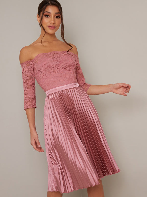 Bardot Lace 3/4 Sleeved Pleat Midi Dress in Pink