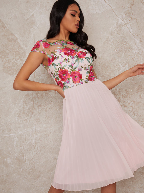 Cap Sleeved Embroidered Bodice Pleat Midi Dress in Pink
