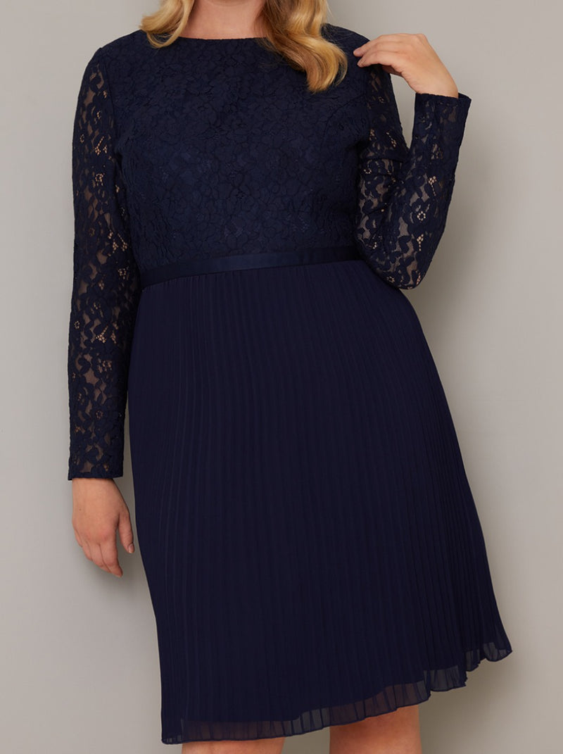 Plus Size Long Sleeved Lace Pleat Midi Dress in Blue