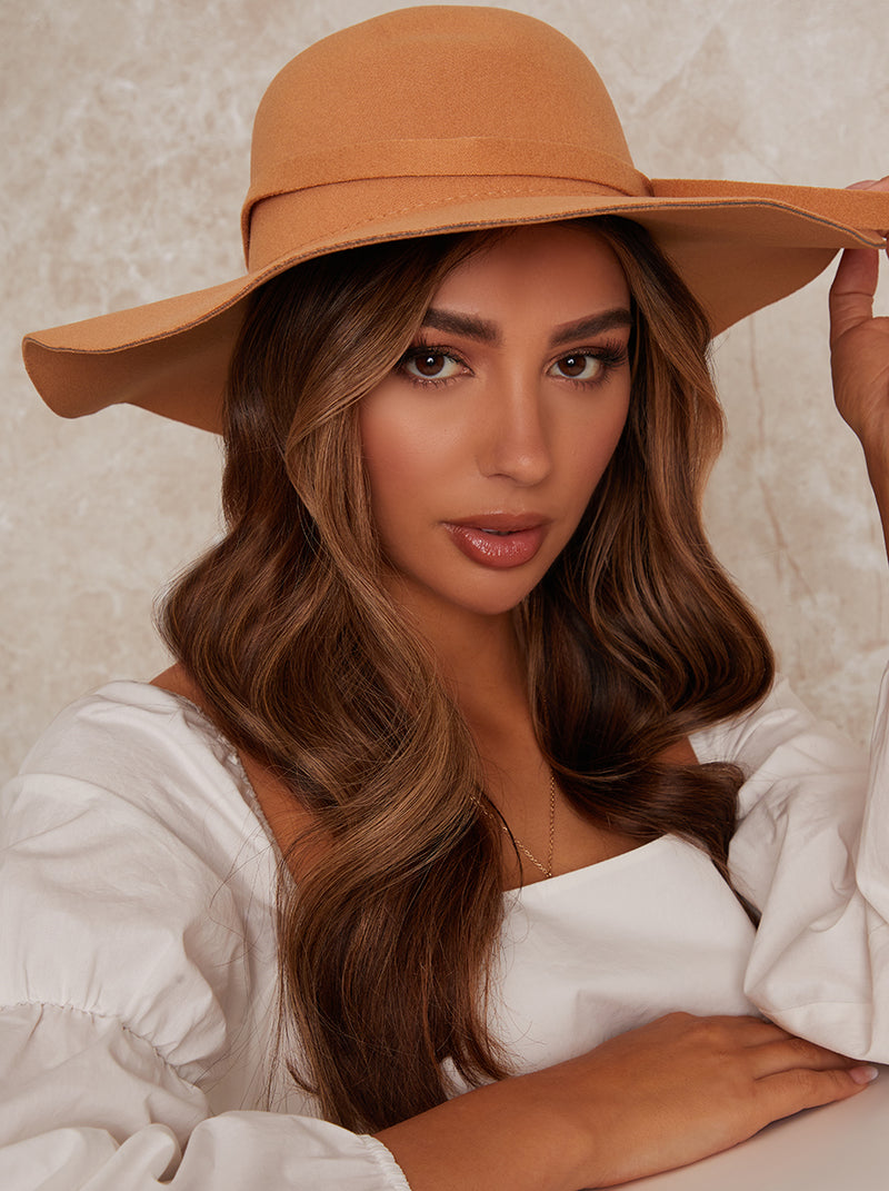 Floppy Felt Hat in Beige