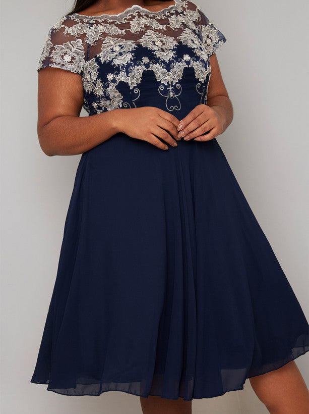 Plus Size Lace Bodice Chiffon Midi Dress in Blue