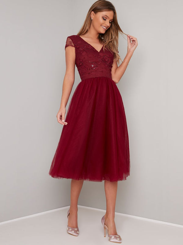 Embroidered Bodice Tulle Skirt Midi Dress in Red