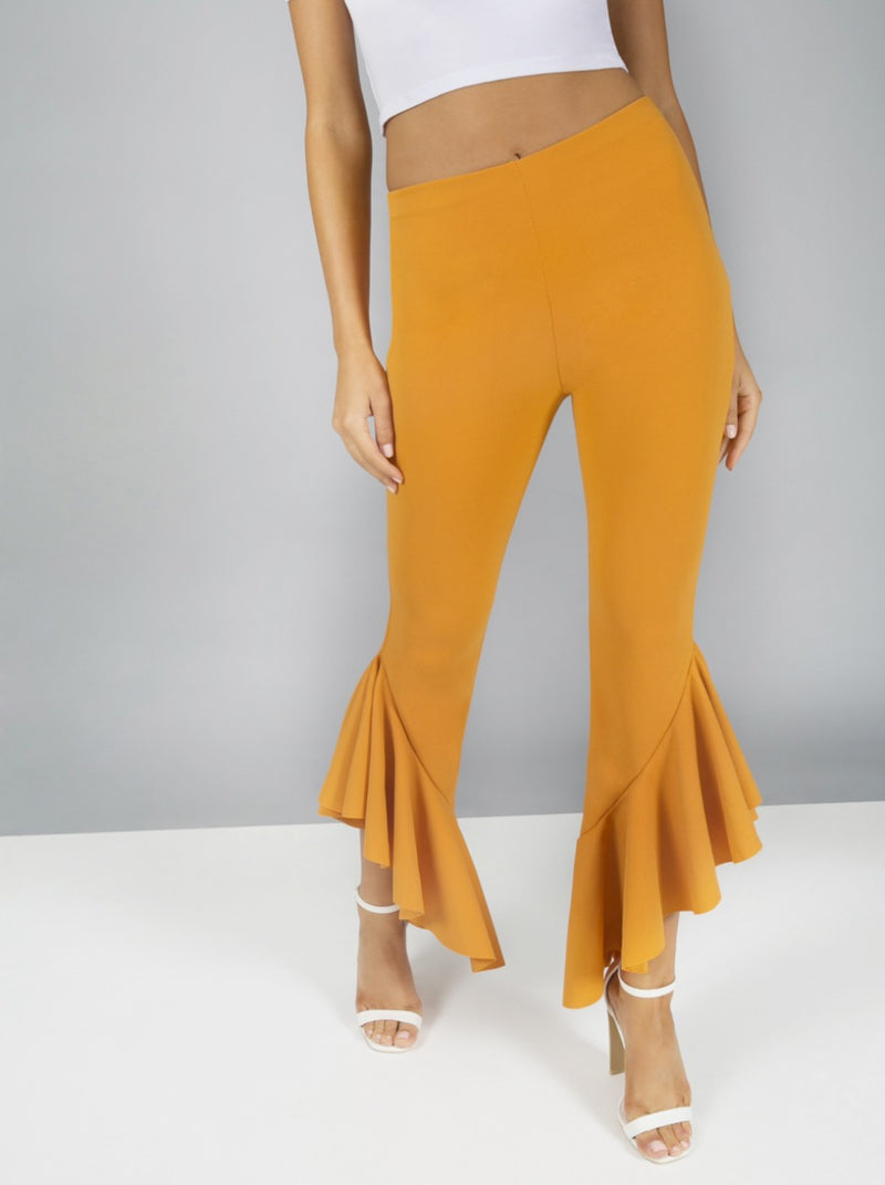 Darped Frill Crop Trousers in Yellow