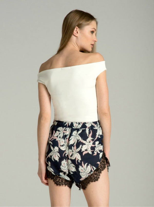 Floral Lace Hem Shorts in Blue