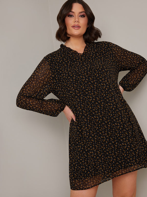 Plus Size Ditsy Print Mini Dress in Black