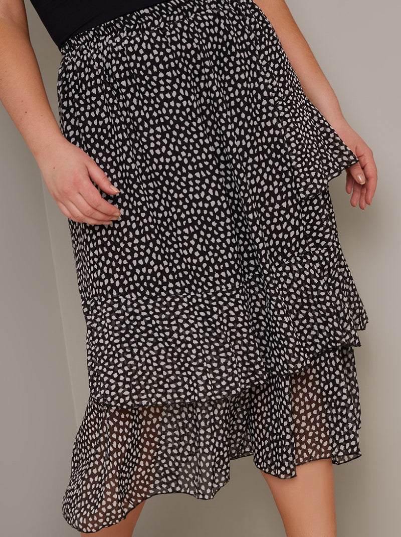 Plus Size Print Tiered Midi Skirt in Black