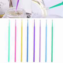 Load image into Gallery viewer, 100pcs Disposable Colorful Cotton Swabs Eyelash Brushes Cleaning Swab Hot Natural Eyelashes Remover Tattoo Microbrush Kit