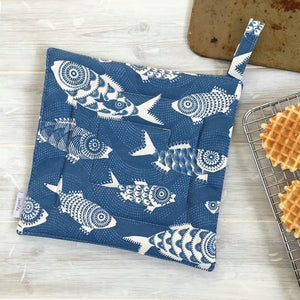 SHOAL OF FISH, BLUE - POT HOLDER