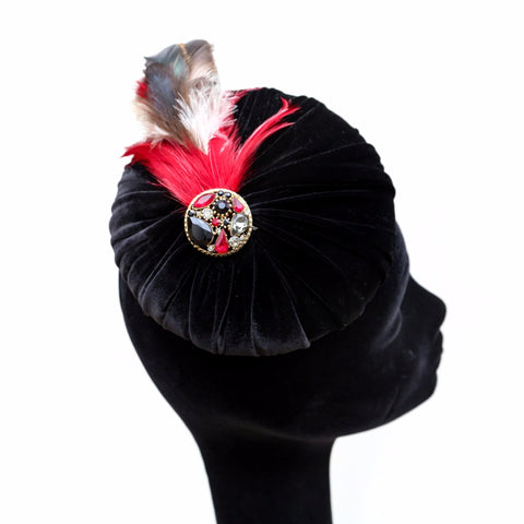 Black Pleat Red