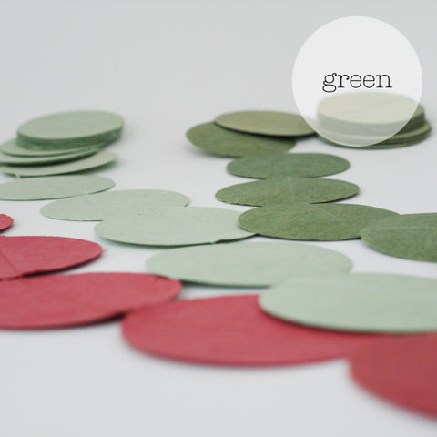 Garlands trio round green