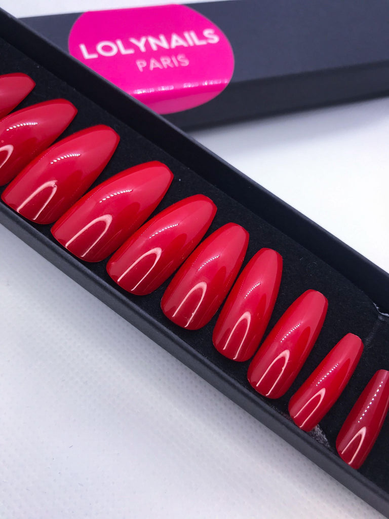 red press on nails
